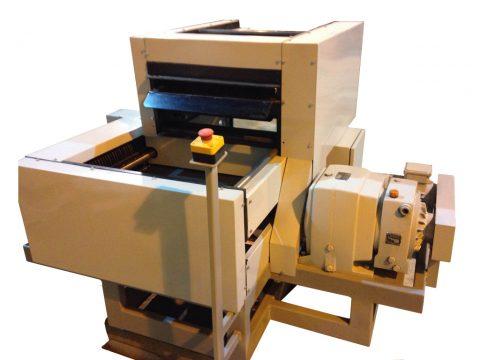 Urządzenie do cięcia odpadów tekstylnych